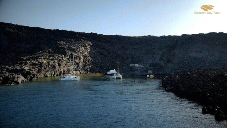Santorini 360 Tour: Private Daytime Santorini Tour with Sunset Catamaran Cruise