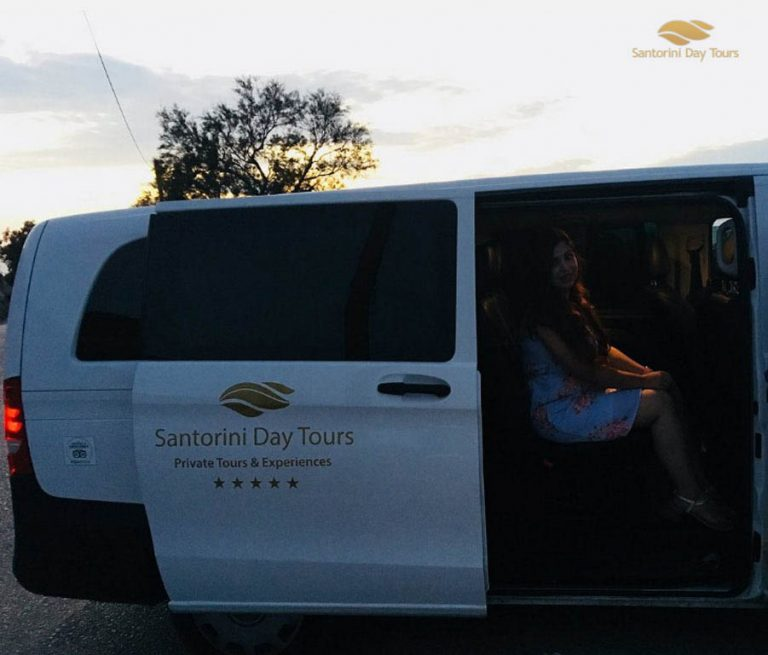 Santorini Private Departure Transfer: Hotel or Airbnb to Airport/Port