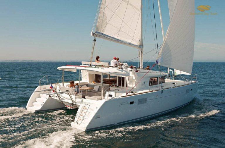 Santorini private boat tour